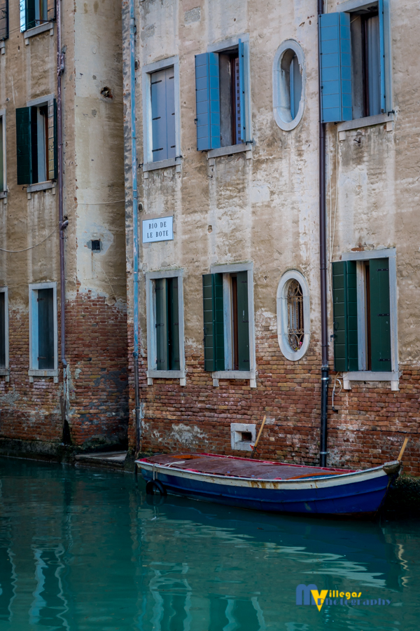 Romance, nostalgia, beauty and simple awesomeness... that's Venice.